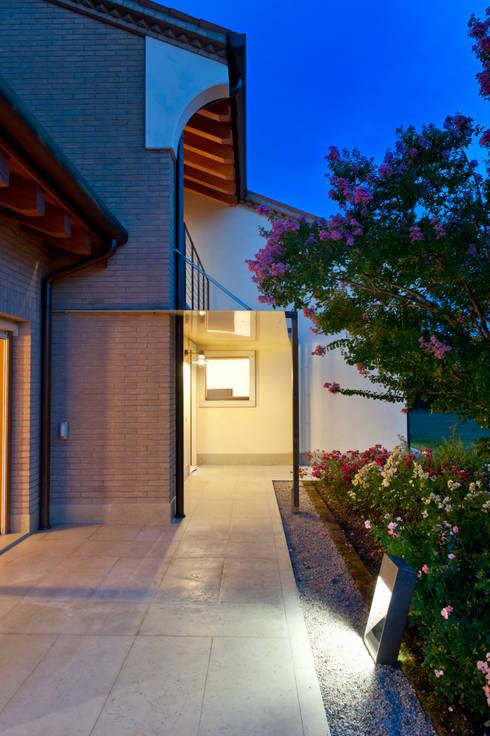 Jardines de estilo minimalista por Lormet
