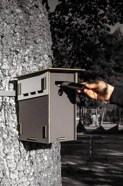 Kisten zum Nisten - Vogelhäuser:  Garten von Werkhaus Design + Produktion GmbH