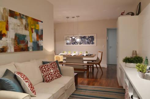 Apartamento Vila Olímpia /SP: Salas de estar modernas por Renata Romeiro Interiores