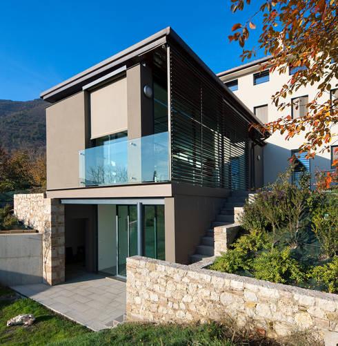 The new architectural volume: Terrazza in stile  di SARA DALLA SERRA ARCHITETTO