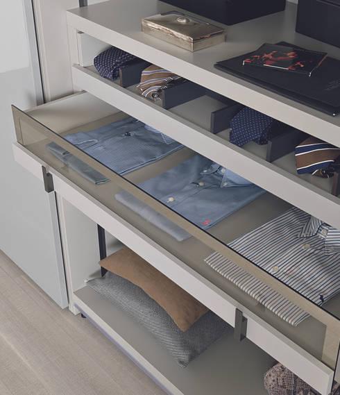Dressing room by Lamco Design LTD