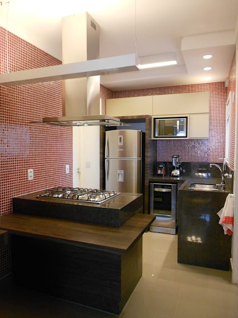 Kitchen by Compondo Arquitetura