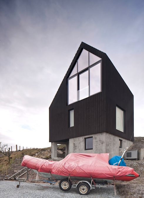 House At Camusdarach Sands East Elevation :  Houses by Raw Architecture Workshop