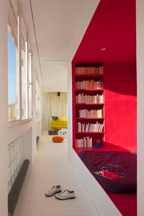 Appartement Manin au Buttes Chaumont : Chambre de style de style eclectique par Ramsés Salazar Architecte
