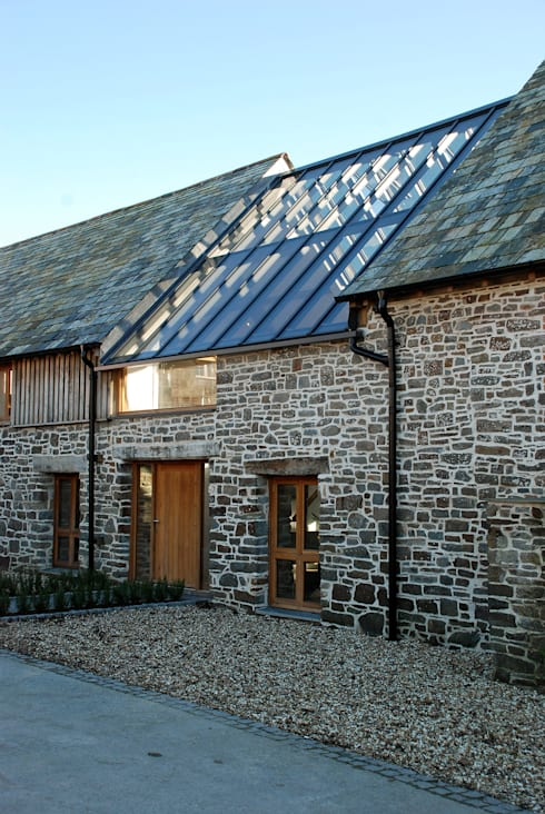 Maer Barn, Bude, Cornwall: modern Houses by The Bazeley Partnership