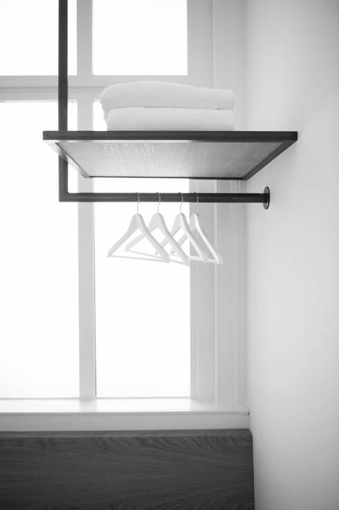 Rotam vastgoed:  Kleedkamer door Mood Interieur