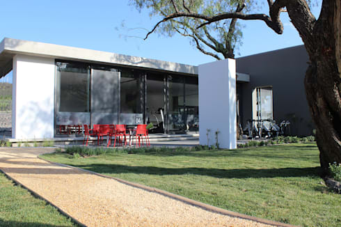 Snack Club Casablanca: Spa de estilo moderno por VG+VM Arquitectos