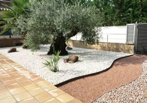 Dise o de jardines de bajo mantenimiento de homify for Jardines zen valladolid