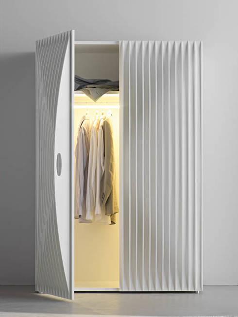 Camera da letto in stile  di HORM.IT