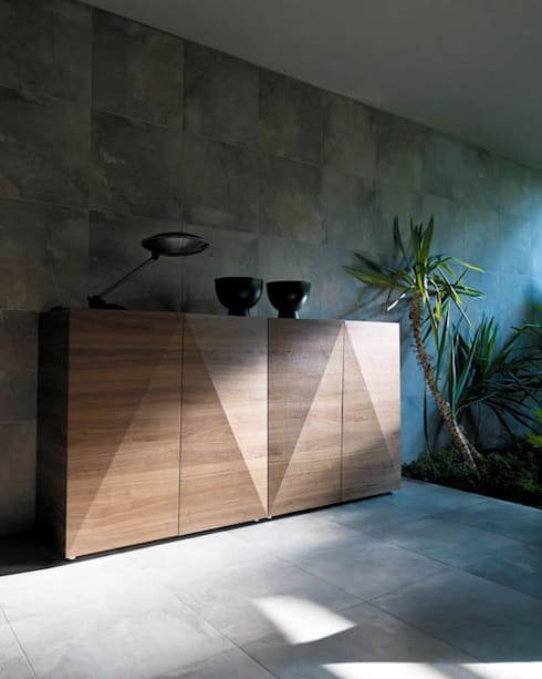NOT RIDDLED Sideboard:  Wohnzimmer von HORM.IT