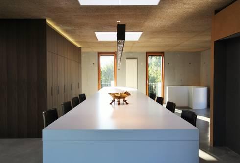 komplettausstattung eines zweist ckigen lofts von isoluzioni exklusivit t stil und design. Black Bedroom Furniture Sets. Home Design Ideas