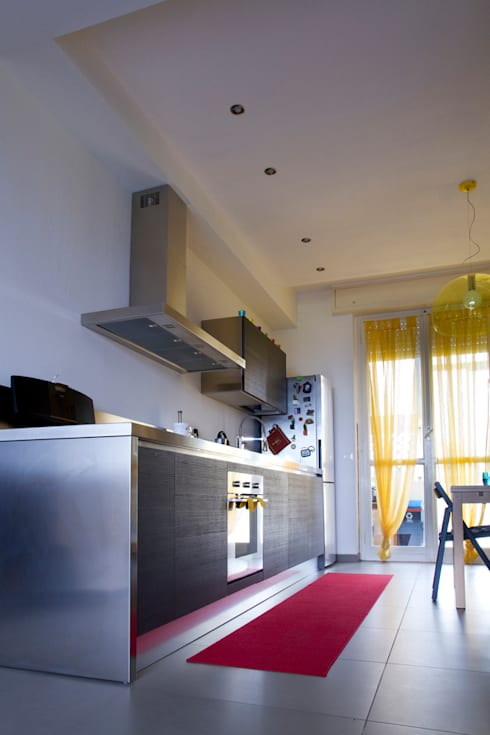 Casa B/S: Cucina in stile in stile Minimalista di Lorenzo Rossi   Architetto