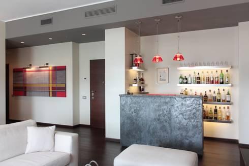 Appartamento a milano di gaia brunello photo homestaging homify - Angolo bar in casa ...