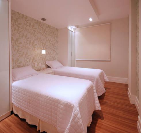 Apartamento 902: Quartos  por Neoarch