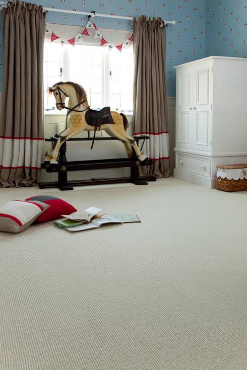 Paredes y suelos de estilo clásico de Crown Floors