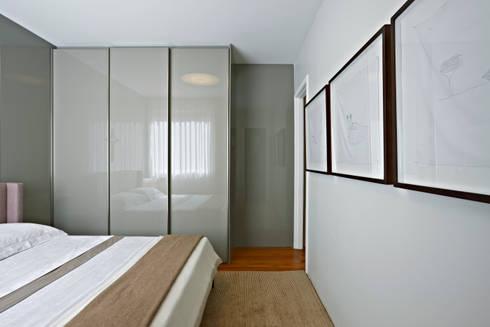 Casa Cor MG 2011: Quartos  por Nara Cunha Arquitetura e Interiores