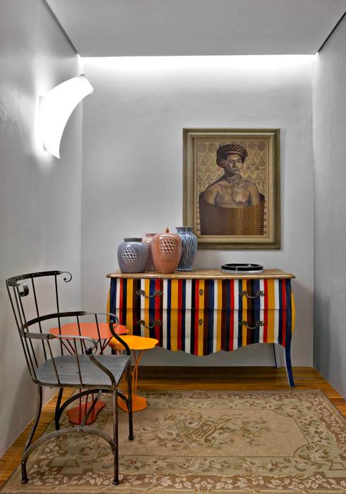Salas/Recibidores de estilo  por Nara Cunha Arquitetura e Interiores