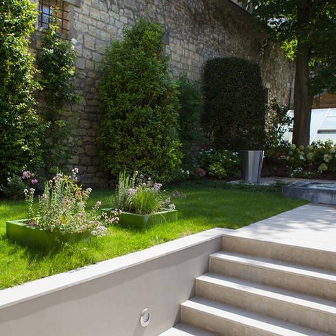 Un jardin contemporain par garden trotter homify for Amenager un jardin contemporain