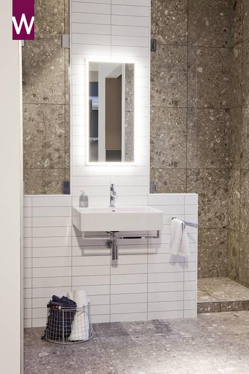Natuurlijke badkamer door vtwonen:  Badkamer door Van Wanrooij keuken, badkamer & tegel warenhuys