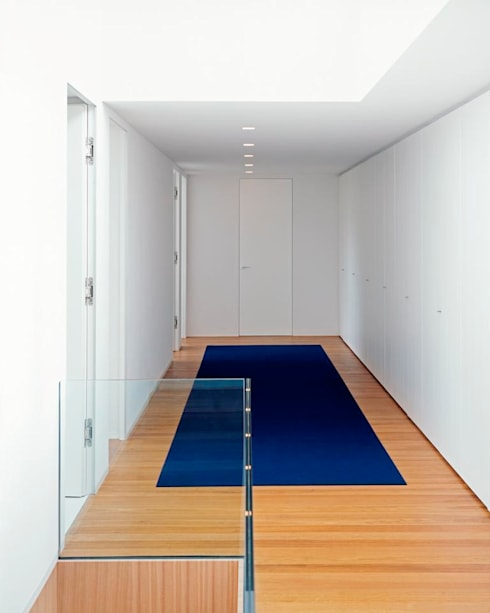 Corridor & hallway by Philipp Architekten - Anna Philipp