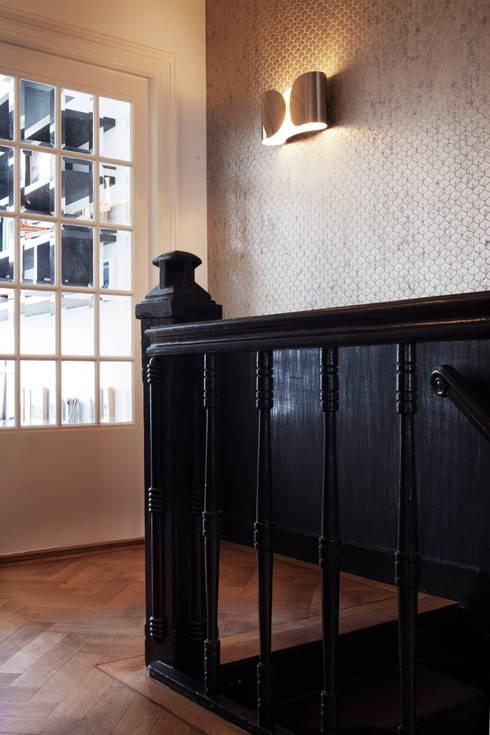 Прихожая, коридор и лестницы в . Автор – Binnenvorm
