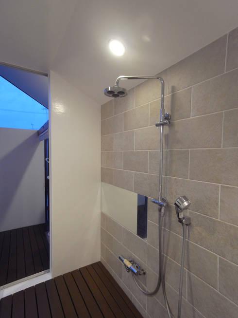 HOUSE T・N: nagena が手掛けた浴室です。