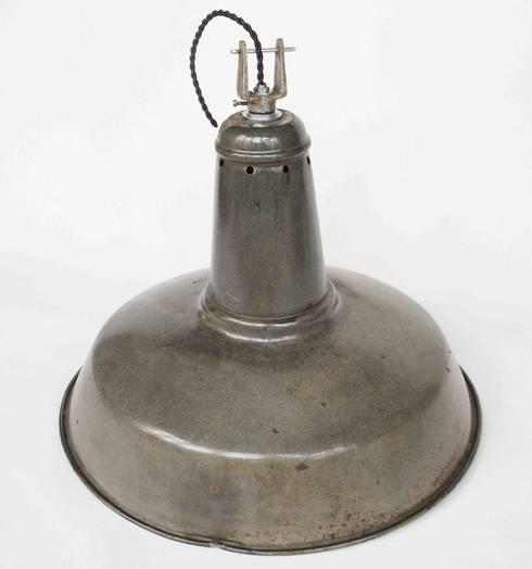Lámpara Industrial: Cocina de estilo  de NORTH SWEET