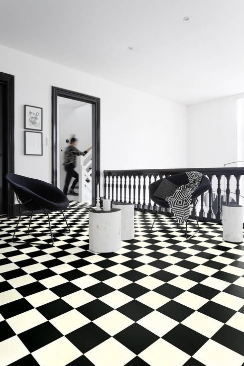 Paredes y pisos de estilo  por PAVIMENTOS GERFLOR