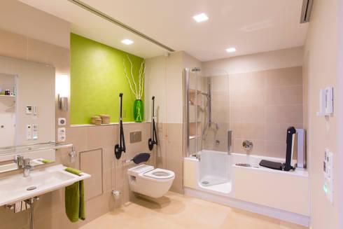 AAL Ambient Assisted Living   Barrierefreie U0026 Altersgerechte Wohnung:  Moderne Badezimmer Von AAB Die Raumkultur