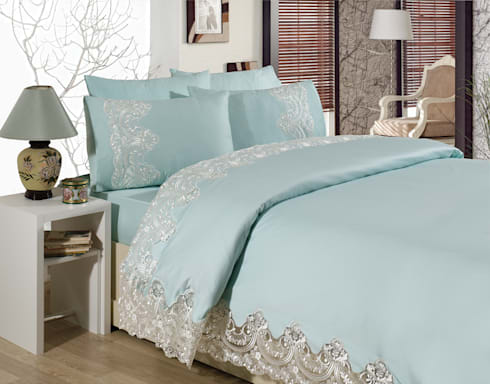 Classic bedroom by evlen home collection