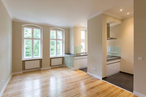 sanierung und einrichtung altbauwohnung von aab die raumkultur gmbh co kg homify. Black Bedroom Furniture Sets. Home Design Ideas