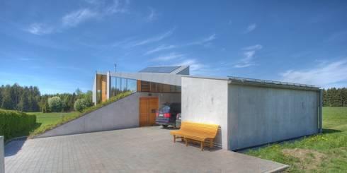 atriumhaus am waldrand von kleboth lindinger dollnig homify. Black Bedroom Furniture Sets. Home Design Ideas