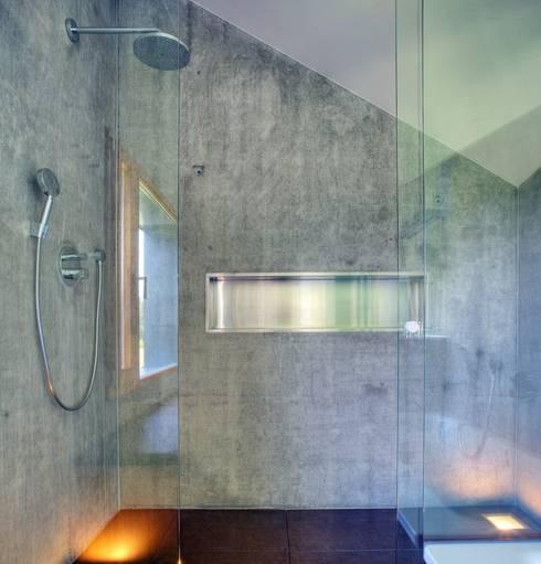 Bad aus Beton:  Badezimmer von kleboth lindinger dollnig