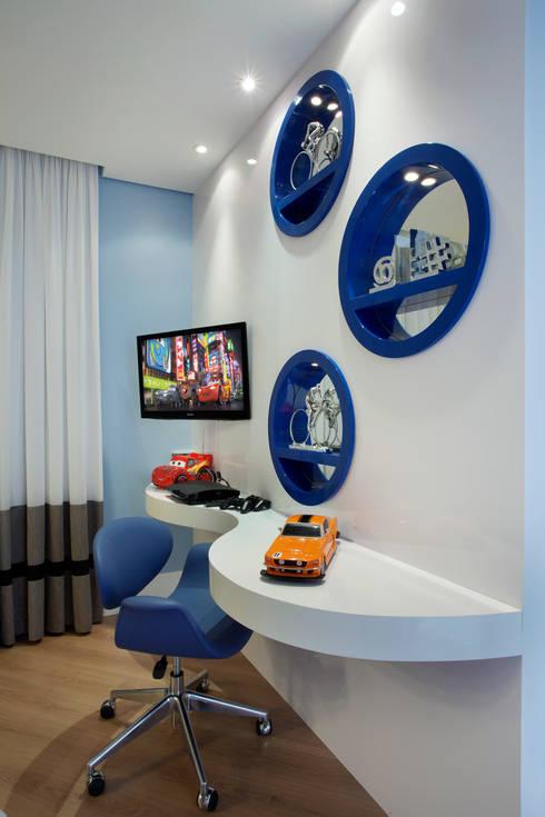Quartos de criança modernos por Designer de Interiores e Paisagista Iara Kílaris