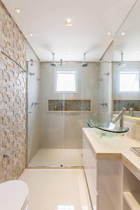 MAISON VITORIA: Banheiros  por Barbara Dundes | ARQ + DESIGN