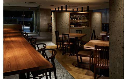 INTERIOR/3: BaNANA OFFICE INC.が手掛けたレストランです。
