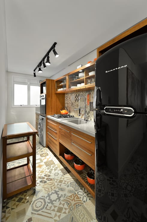 Cucina in stile in stile Moderno di Johnny Thomsen Design de Interiores