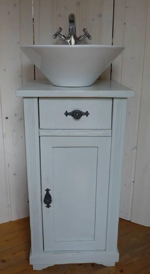 Lybste Badmoebel: landhausstil Badezimmer von Lybste Badmoebel