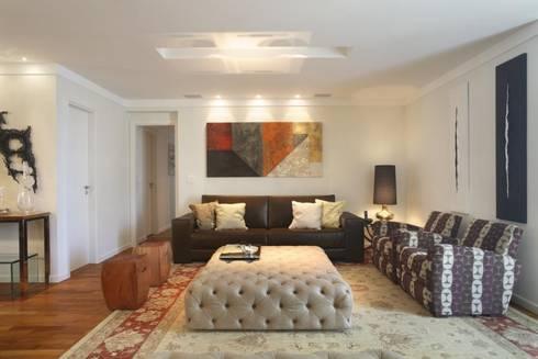 Apartamento Barra da Tijuca: Salas de estar modernas por Cris Moura Arquitetura