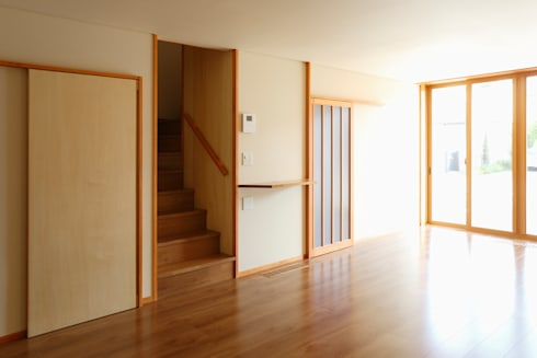 Casa Montaña: コルポ建築設計事務所が手掛けたです。