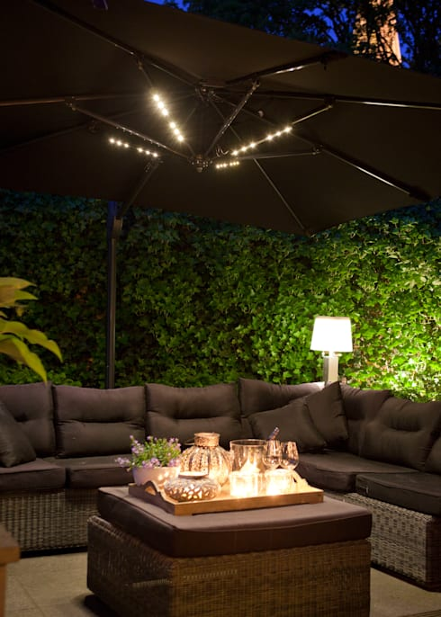Jardines de estilo  por SOLAR Lighting - Powered by Nature!