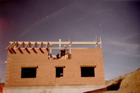 Estructura cubierta en madera laminada de abeto de - Casas de madera laminada ...