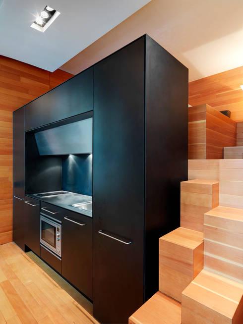 Raumplan Milanese: Cucina in stile  di Daniele Geltrudi