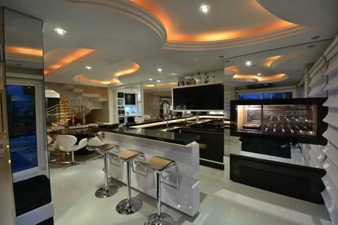 Recanto ao natural: Salas de jantar modernas por Paulinho Peres Group