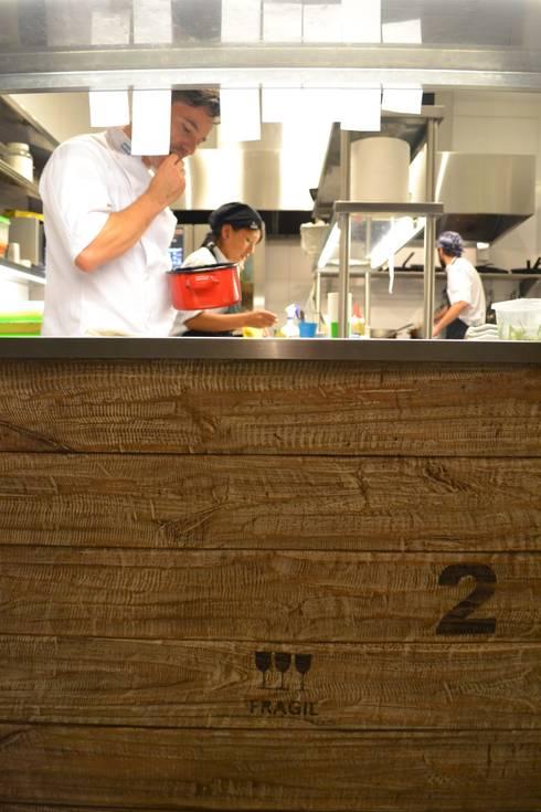 Azafran Resto: Gastronomía de estilo  por Cohen - Reig Arquitectura & Interiorismo