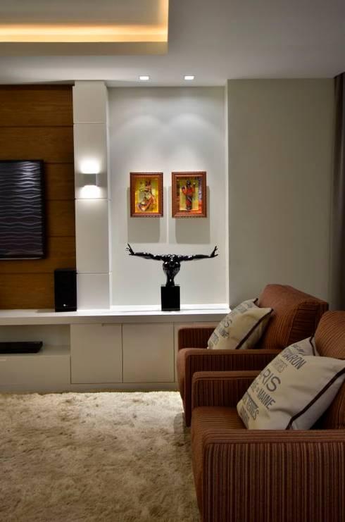 Living: Salas de estar modernas por LizRibeiro Arquitetura