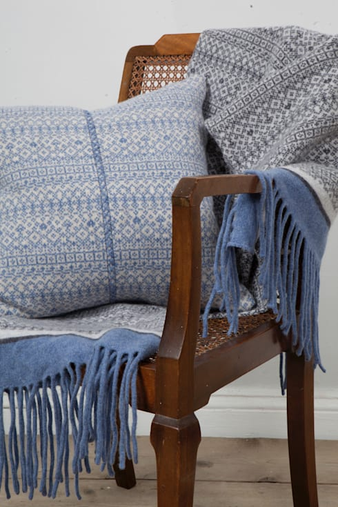 scandinavian Living room by Suzie Lee Knitwear