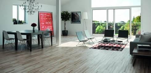 Wabi Gres imitación a madera: Salones de estilo industrial de INTERAZULEJO