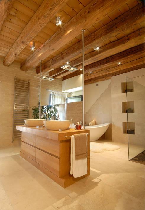 STUDIO CERON & CERON: modern tarz Banyo