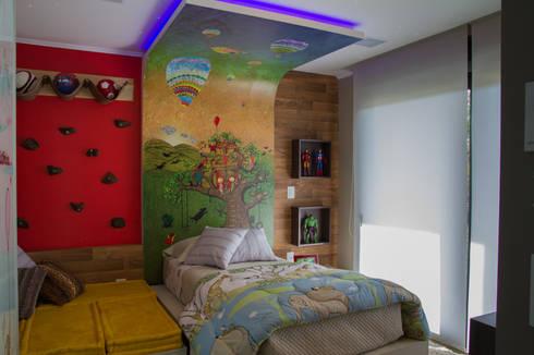 Dormitório do Menino: Quarto infantil  por Tuti Arquitetura